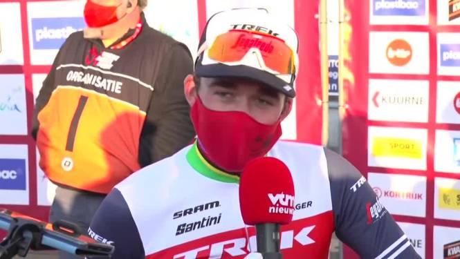 """Winnaar Pedersen was toch niet gerust in de actie van Van der Poel: """"Niets is onmogelijk met die gast"""""""