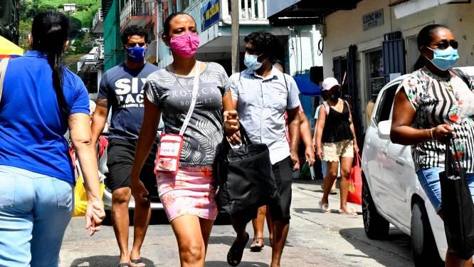 Het virus laait weer op in sommige van de best gevaccineerde landen. Waarom?