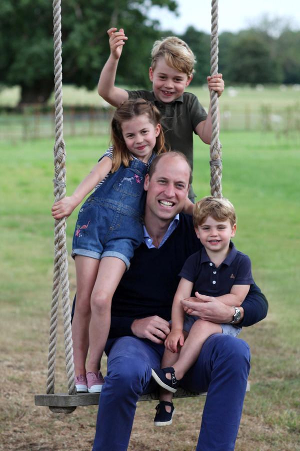 Prins William met zijn kinderen George, Charlotte en Louis, iets meer dan een jaar geleden.