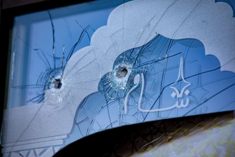 De beschoten voordeur van Sham Oost. Beeld ANP