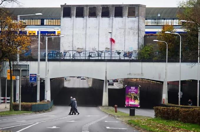 De westzijde van het station.