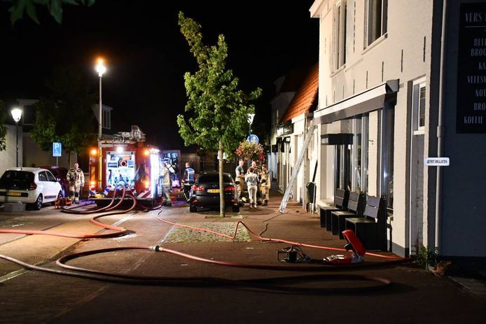 In een bovenwoning in Tholen woedde brand.