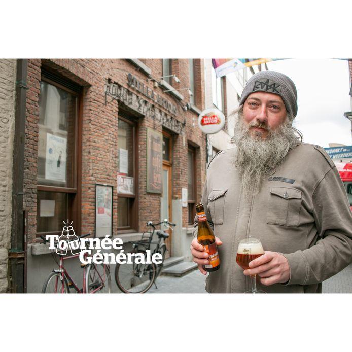 Waldo Mertens van 't Stamcaféken in de Nieuwstraat.