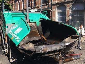 """Wegenarbeiders halen dronken slapende student (21) 's ochtends uit asfalteermachine: """"Dit had véél erger kunnen aflopen"""""""