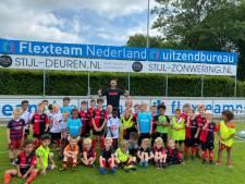 Jasper Cillessen mocht niet mee met Oranje: nu vermaakt hij zich met de mini-F-jes in Groesbeek
