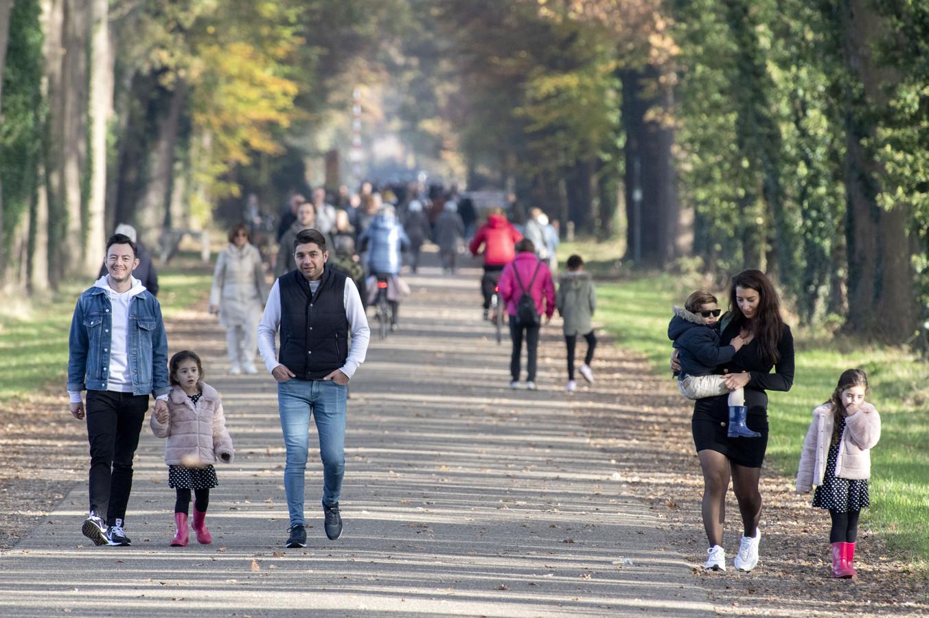 Even eropuit om te wandelen of te fietsen: het blijkt populair te zijn in Almelo. Maar dan wel in je eentje, blijkt uit onderzoek.