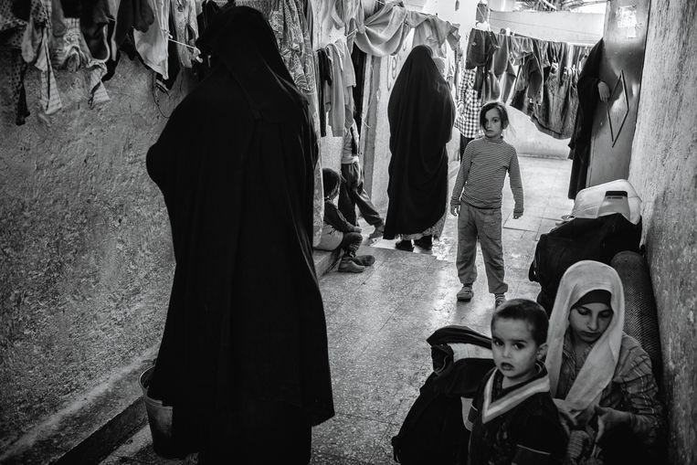 In het vluchtelnigenkamp Ain Issa in Noord-Syrië zitten honderden vrouwen van Europese IS-strijders.  FOTO Eddy van Wessel Beeld EDDY VAN WESSEL