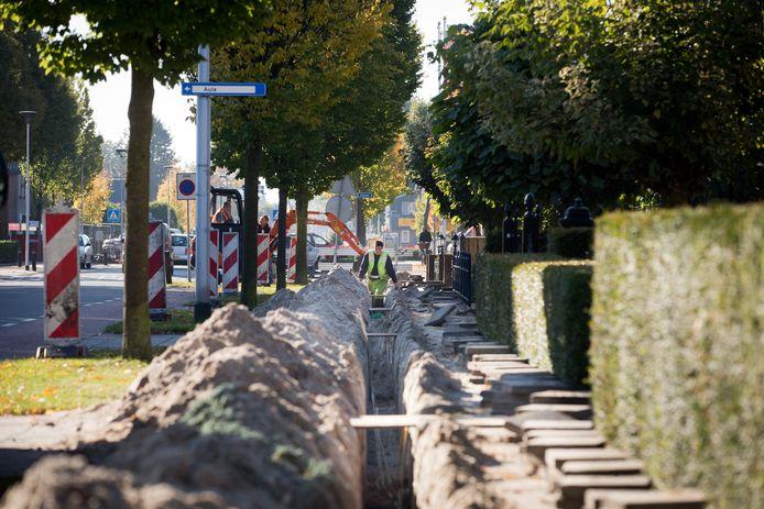 Cogas Kabel legde in Twente een deel van het glasvezelnetwerk aan, zoals hier in Westerhaar in 2012.