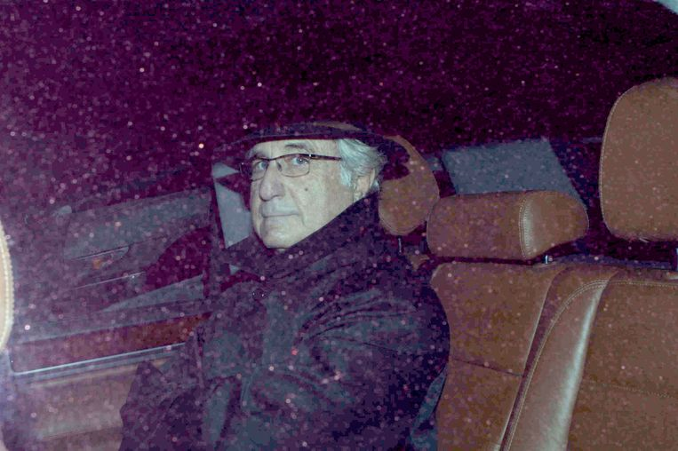 Bernie Madoff op 16 december 2008. Beeld Splash News/SUNSHINE