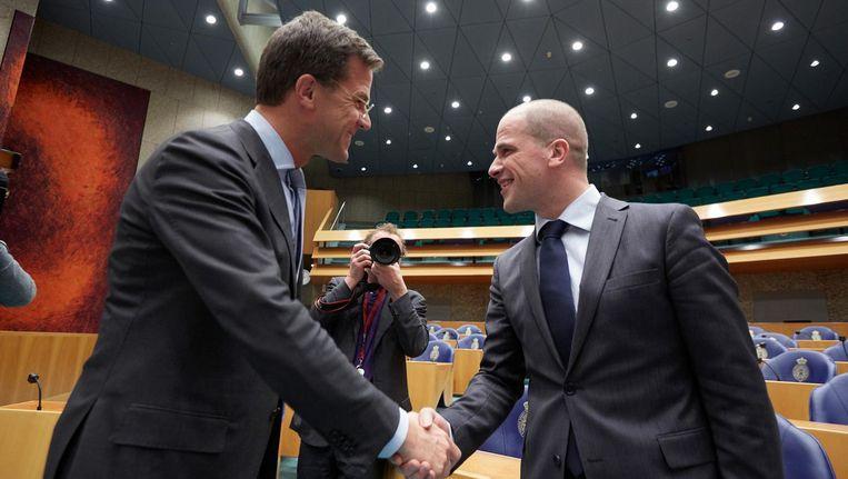 Premier Mark Rutte en PvdA-leider Diederik Samsom in de Tweede Kamer. Beeld anp