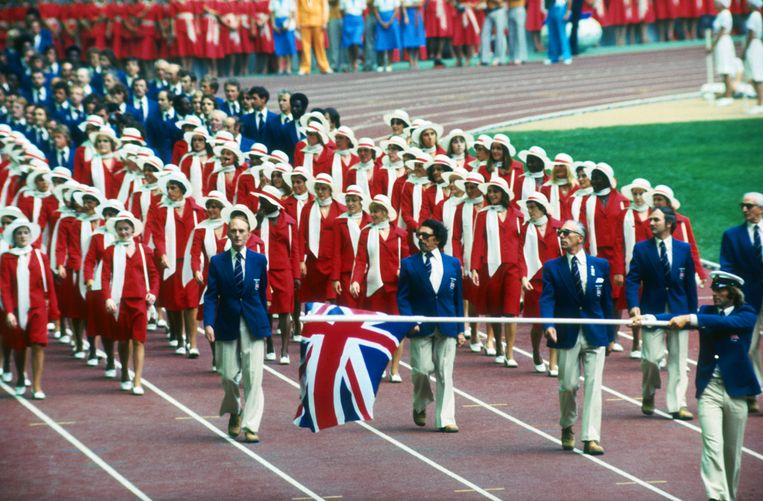 The British team carry the Union Jack around the Olympic stadium during the opening ceremony of the 1976 Montreal Olympics, 17th July 1976. (Photo by Getty Images) Beeld Getty Images