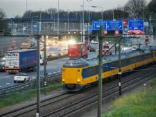 Drie miljard nodig voor weg en ov: 'Na corona keren velen terug op de weg, in de trein en de bus'