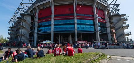 Alifa schrikt van ophef dure businesskaarten FC Twente