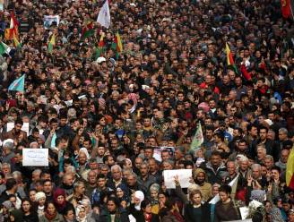 Al bijna 600 Turken opgepakt voor kritiek op Syrisch offensief