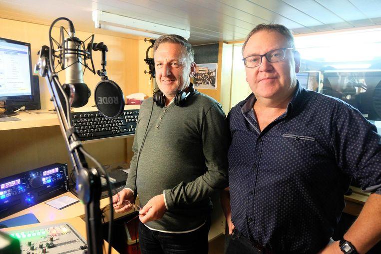 """Hendrik Thielemans en Bert Deckers van de Wiekevorstse Radio Apollo: """"We gaan verder als internetradio.""""."""
