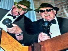 Bij het afscheid rookten tweelingbroers Hans en Roel een sigaar op het toilet: 'Straks komt brandweer nog'