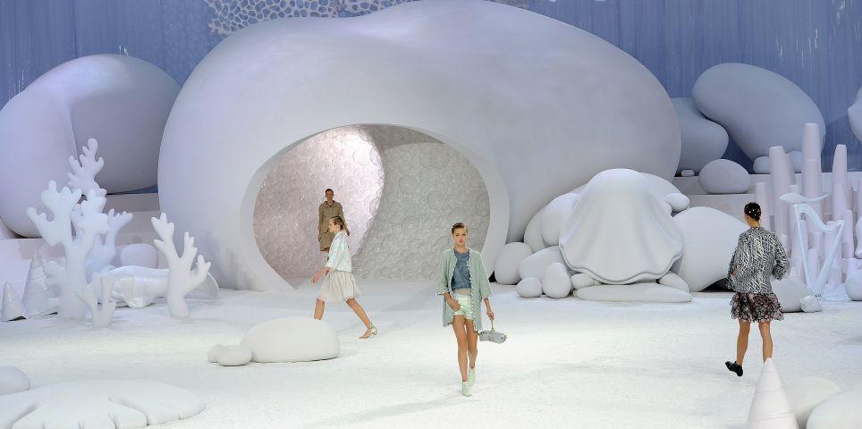 fotoreeks over Zo bijzonder waren de modeshows van overleden mode-icoon Karl Lagerfeld