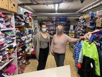 """In de winkel van Mieke en Cindy kunnen mensen die het financieel moeilijk hebben gratis én anoniem komen shoppen: """"Maar we luisteren ook als ze hun hart willen luchten"""""""
