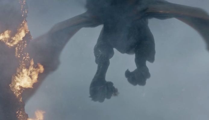 Drogon neemt Daenerys mee.