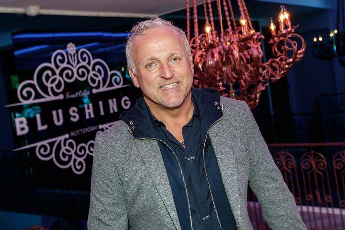 Gordon in 2017 bij de opening van een van de Blushing-vestigingen.