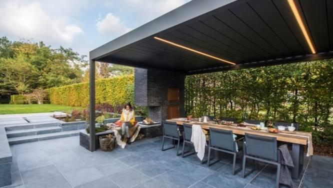 Ook in de herfst genieten van je terras? Zoveel kost een overkapping
