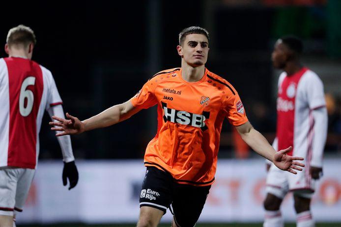 Francesco Antonucci heeft namens Volendam gescoord tegen Jong Ajax.