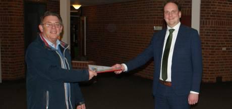 Ruim 500 handtekeningen tegen nieuwe in- en uitrit bedrijf in Hasselt