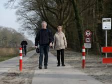 Mooi die extra fietsstrook langs 't kanaal bij Denekamp, 'maar levensgevaarlijk voor wandelaars'