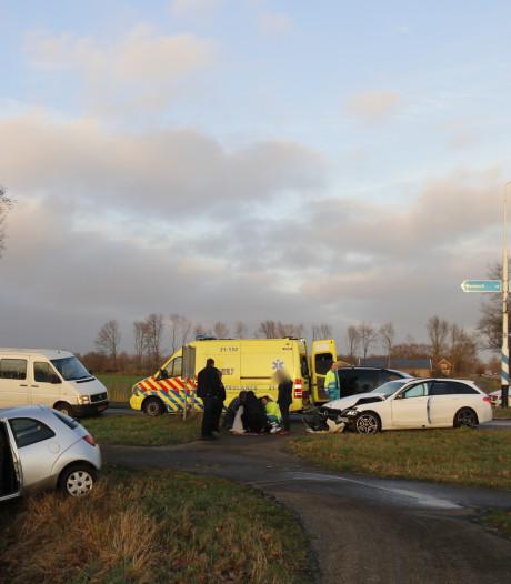 Vrouw lichtgewond na zwaar ongeluk in Westerbeek