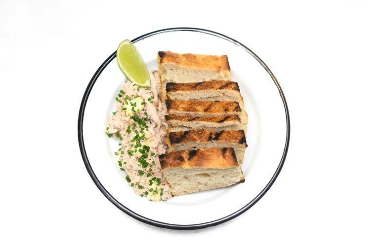 Gerecht: Crab salad served with Josper grilled bread. Beeld Els Zweerink