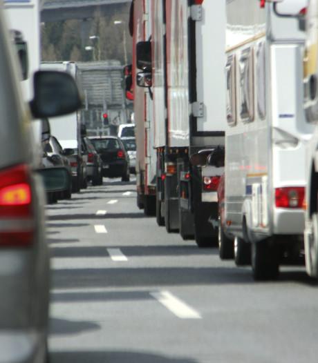 A15 bij Hardinxveld-Giessendam weer vrij na ongeluk