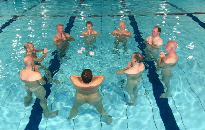 Blootzwemmers en blootwateryoga verhuizen van het Borgelerbad naar De Scheg.