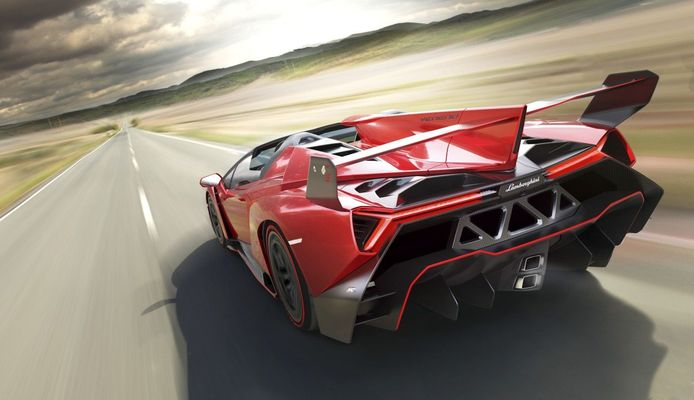 De Lamborghini Veneno Roadster eindigt op plek 8 met een nieuwprijs van 3,5 miljoen euro exclusief belastingen