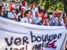 Zorgmedewerkers Amsterdam UMC staken dinsdag weer voor hoger loon