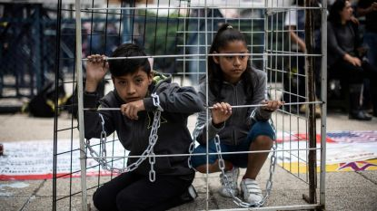 Rechter blokkeert Trumps plan om migrantenkinderen voor onbeperkte tijd op te sluiten