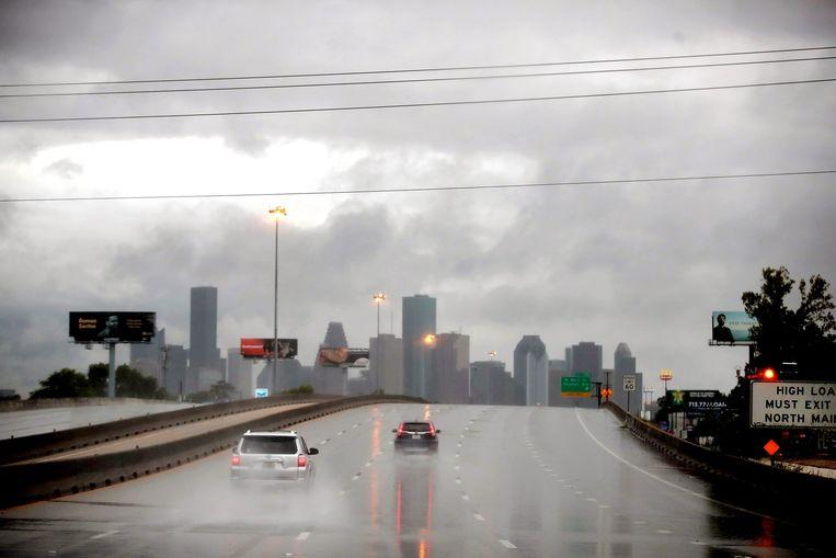 Na de doortocht van Harvey geselen recordregens en overstromingen onder meer miljoenenstad Houston.