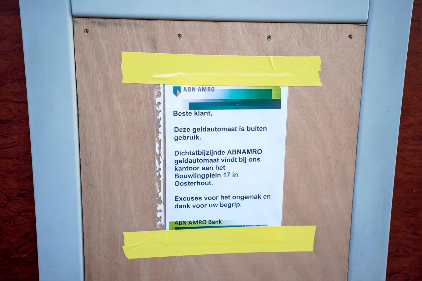 Een pinautomaat in Oosterhout is gesloten.