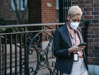Gezichtsherkenning op je smartphone werkt niet als je een mondmasker op hebt: kan je daar iets aan doen?