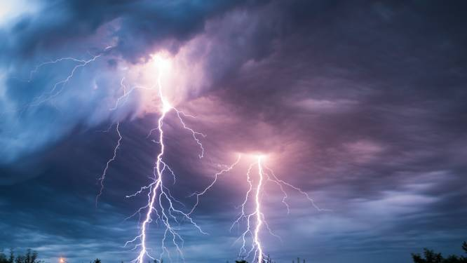 Terrasjesweer? Zelfs zwaar onweer houdt Kortrijkzanen niet tegen