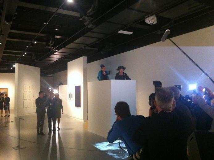 Prinses Beatrix in het nieuwe museum.