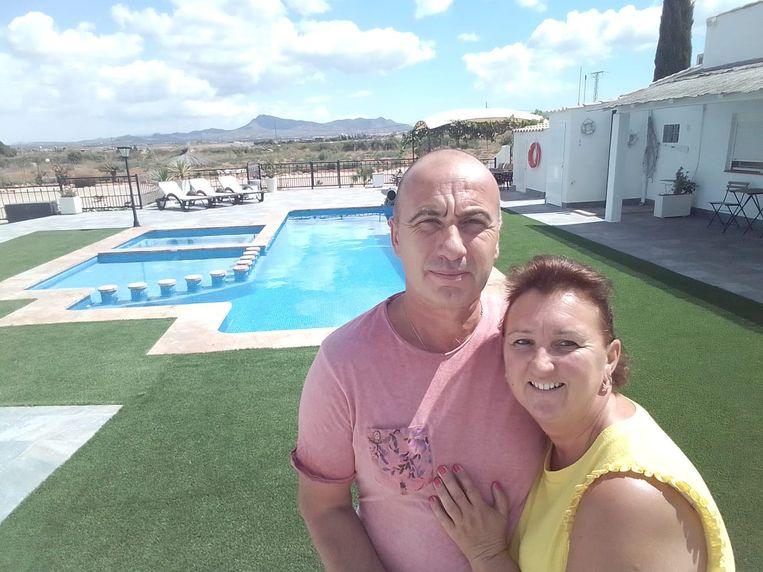 Benny Vanhaelewyn (48) en Andy Corneille (51) in La Manchica, Spanje. Beeld RV