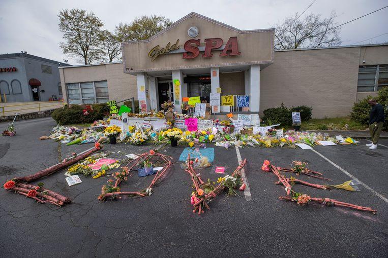 Bij drie massagesalons in Atlanta werden in totaal acht mensen, onder wie zes vrouwen van Aziatische komaf, doodgeschoten door een 21-jarige man. Beeld EPA