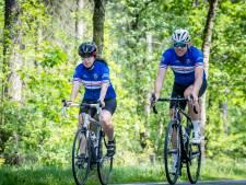 Met Koos Moerenhout op de fiets: 'Moet jij je nu erg inhouden?'