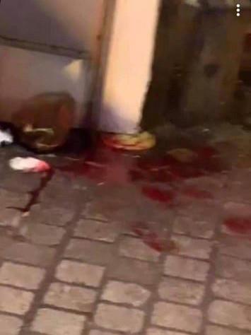 Quatre personnes ont été agressées, dans la nuit de lundi à mardi, dans le Carré (Liège). Une d'entre elle a été blessée à la gorge avec une paire de ciseaux.