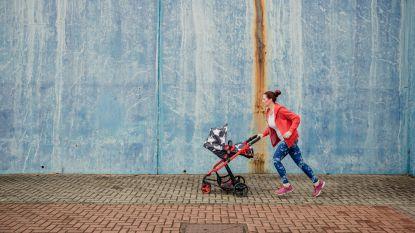 Mama toont met één straffe foto hoe zij dagelijks aan multitasking doet