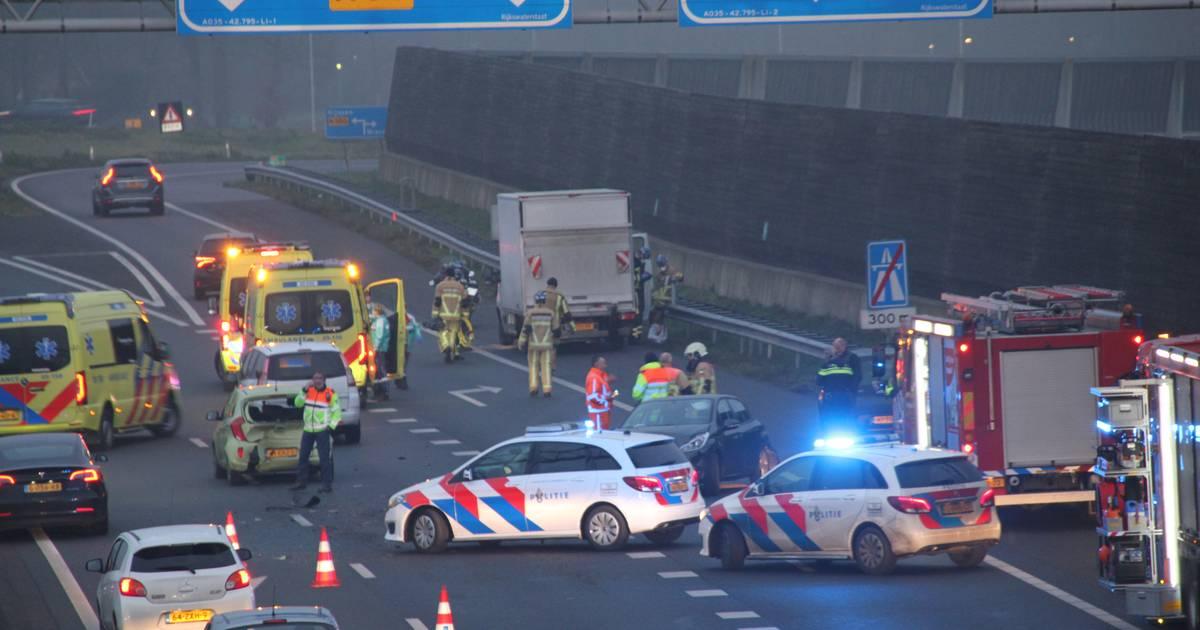 Meerdere files in Twente na ernstig ongeval op A35.