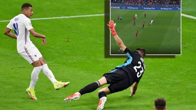 Discutabele goal Mbappé legt rare buitenspelregel bloot: 'Het is te gek voor woorden dat dit nog bestaat'