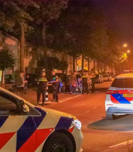 De vlam sloeg in de pan in Nieuwland: grote groep jongeren gaat met elkaar op de vuist