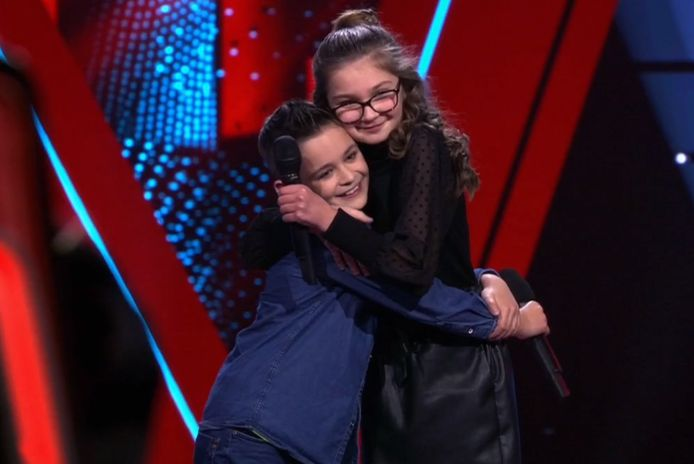 Ayla wilde haar vriendje graag knuffelen nu Ali dat niet mocht doen.