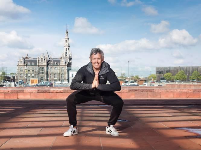 """""""Je bent een domoor als je in die zetel blijft zitten"""": topkinesist Lieven Maesschalck over fitnessblunders en het belang van bewegen"""